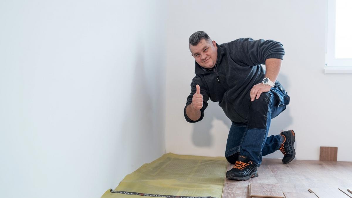 Ogrzewanie-podłogowe-pod-panele-podłogowe